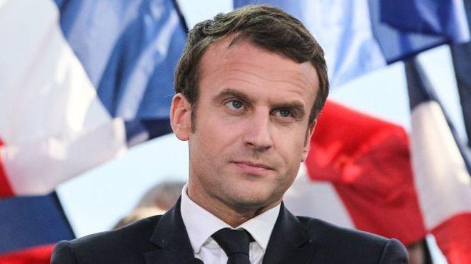 """Presidente de Francia: """"EEUU le ha dado la espalda al mundo"""""""