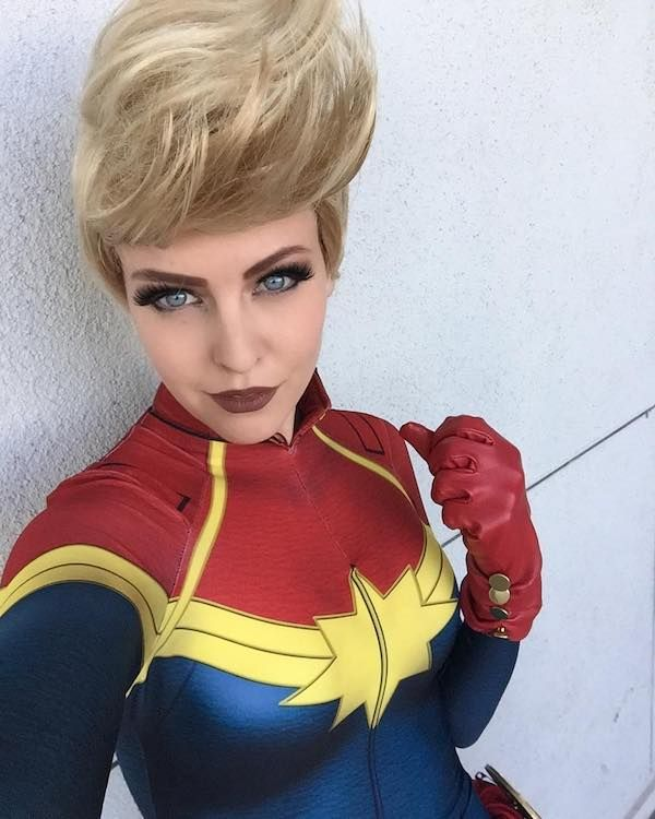 Hello Captain Marvel! [Cosplay]