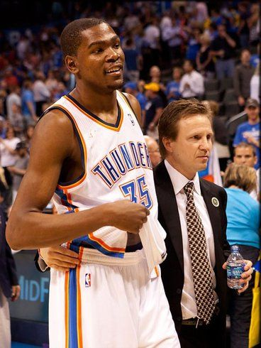 NBA Rumors: Kevin Durant Reunite with Scott Brooks in Washington Wizards - http://www.hofmag.com/nba-rumors-can-kevin-durant-reunite-scott-brooks-washington-wizards/157398