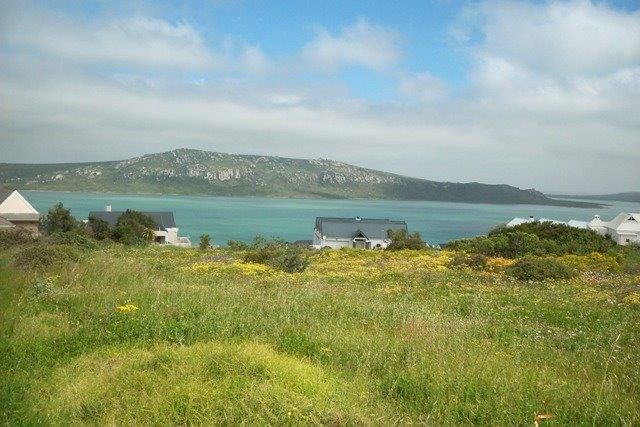 Are you looking for a house next to a nature reserve with views of a lagoon & within walking distance to a yacht club? Look no further than the Myburgh Park suburb in Langebaan - West Coast - South Africa.