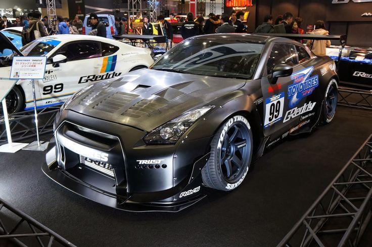 Trust Nissan GTR R35 at TAS 2014 with Rocket Bunny body ...
