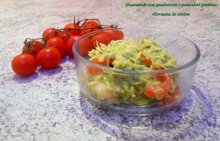 Guacamole con gamberetti e pomodori pachino