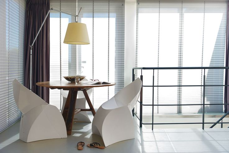 Flux chair - Available on FormAdore.com