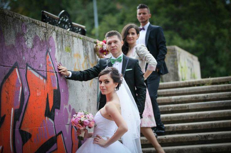 Love it! Bride and groom and godparents.  Photo credit: http://www.pinterest.com/tzutzu75/