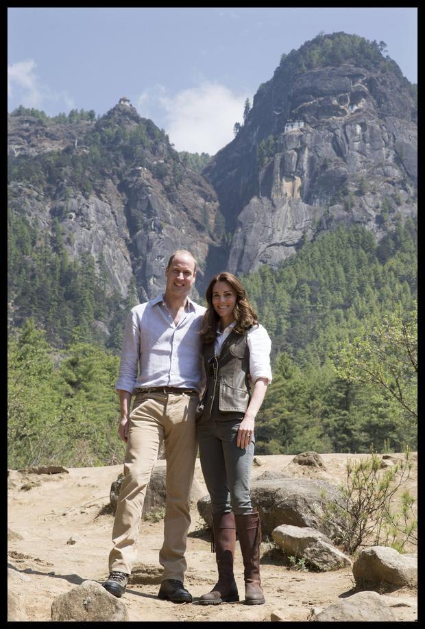 Prinz William und Herzogin Kate vor dem Taj Mahal