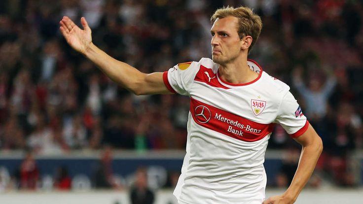 Klub Liga Premier Inggris Berebut Bek VfB Stuttgart