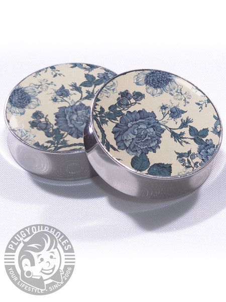 Vintage Floral Plugs, I am a sucker for plugs with patterns! They just pop! These are beautiful <3
