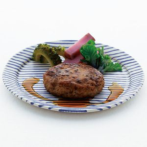 ジューシーでありながら、さっぱりとした味わいに。【高島屋限定】石垣牛とあぐー豚のハンバーグ