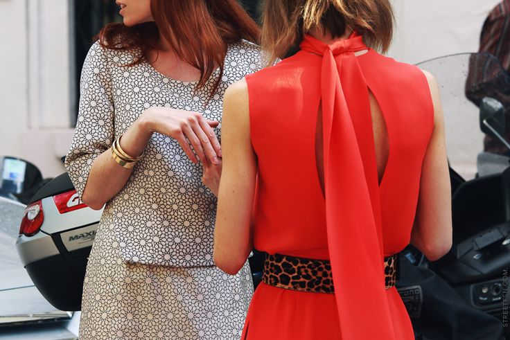 Leopards Belts, Street Fashion, Red Dresses, Fashion Weeks Paris, Street Style, Outfit, Animal Prints, Leopards Prints, Bright Colors