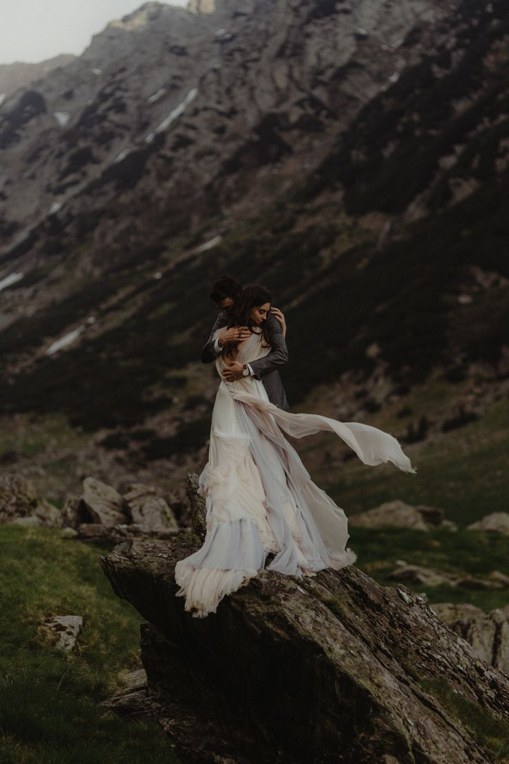 Wedding in Transylvania Mountain (Romania) Wedding in Transylvania Mountain (Rom…