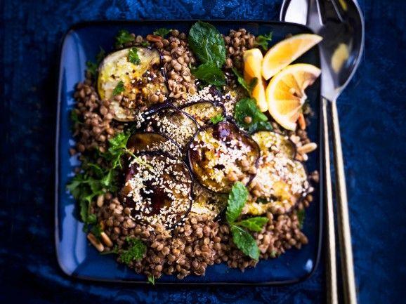 Intialainen munakoisosalaatti / Indian eggplant salad / Kotiliesi.fi / Kuva/Photo: Sampo Korhonen/Otavamedia