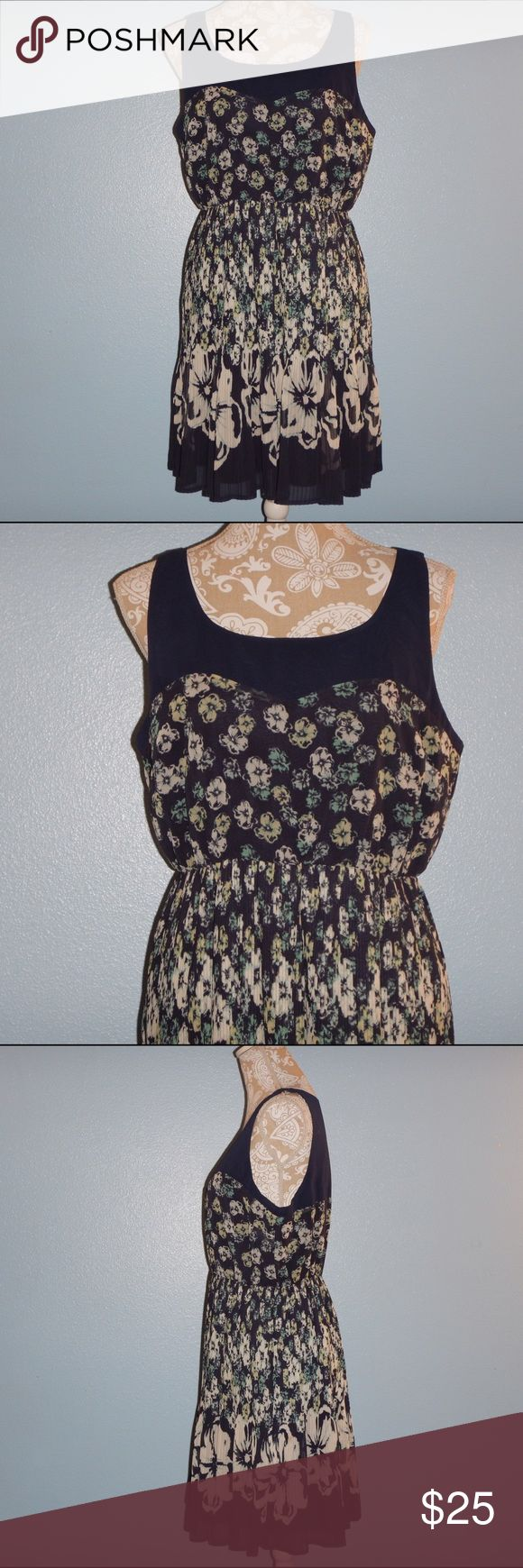 LC Lauren Conrad dress LC Lauren Conrad dress pleat bottom floral LC Lauren Conrad Dresses