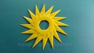 tutorial how to fold this star (Sterne Falten - Weihnachtssterne falten, via YouTube)