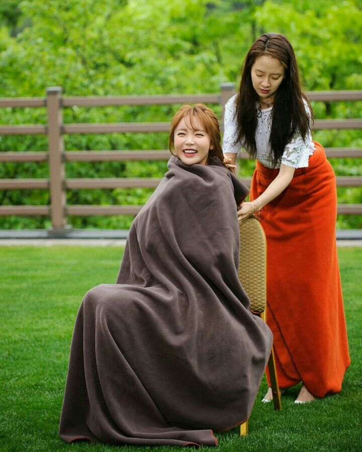 Song Ji Hyo and Hong Jin Young's solution for the cold, Running Man ep. 299
