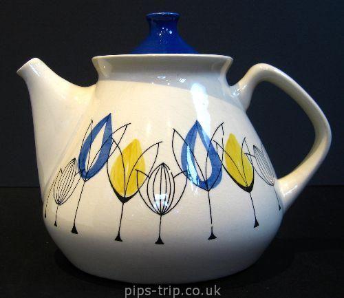 1960S STAVANGERFLINT (NORWAY) Tulip Teapot By Inger Waage