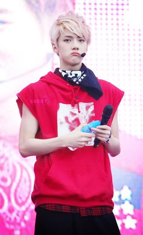 Imagines with Sehunnie~ imagine sehun pouting just to get your attention (lucky u haha)