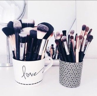 make-up cup makeup brushes