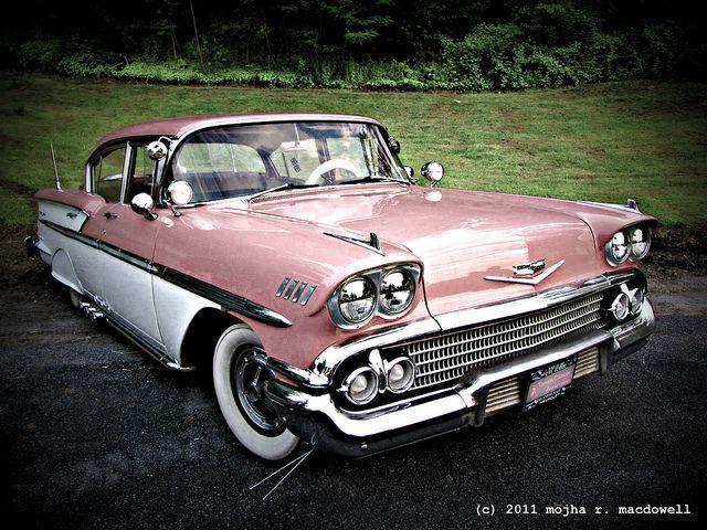 Pink Cadillac II … Les voitures étaient si beau à l'époque; si distinctif dans leur