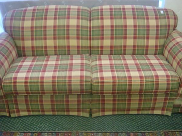 Country Plaid Sofa And Loveseat 184 Broyhill Plaid Upholstered Sofa Cottage Interior