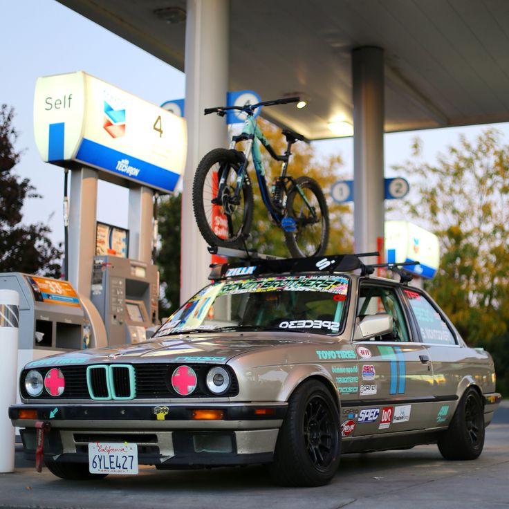 1989 BMW E30 Racecar with a Thule Bike Rack