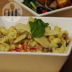 Photo de recette : Incroyable plat de pâtes au poulet dans une sauce crémeuse au…