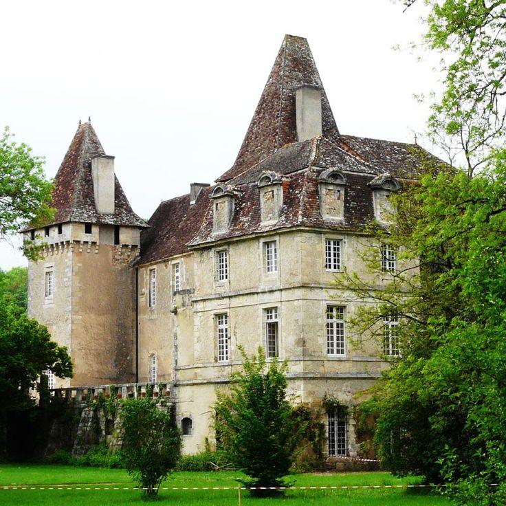 Château de la Marthonye ~ Saint-Jean-de-Côle ~ Dordogne ~ France