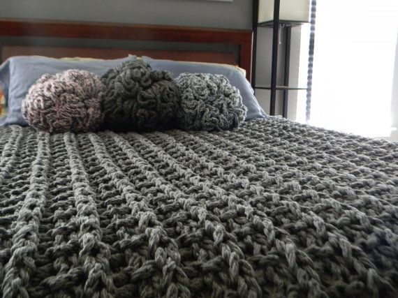 96 x 84 Giant Super Chunky Knit Blanket Queen size by LuckyHanks