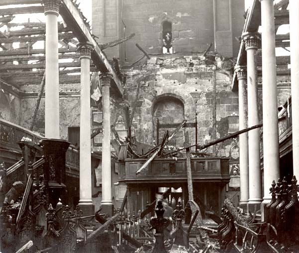 Liverpool - , St. Nicholas parish church'. 20/21 December 1940