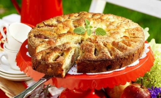 Mjuk äppelkaka med citron och kardemumma