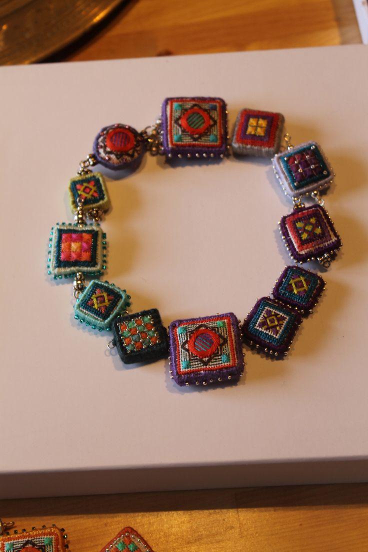 OOOO in needlepoint, Orna Willis Dolce beads