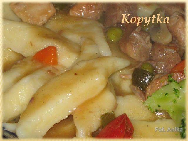 Kopytka          Kopytka, podobnie zresztą jak kluski śląskie to doskonały dodatek do dań głównych serwowany u mnie zazwyczaj z sosami lu...