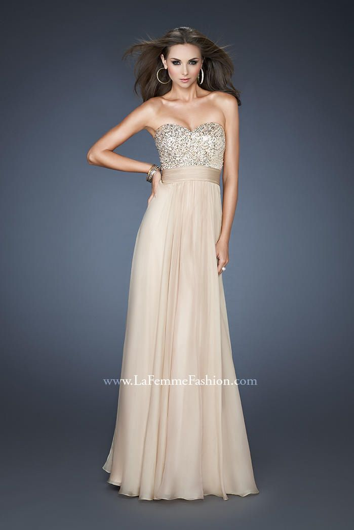 Basic strapless nude / champagne prom dress