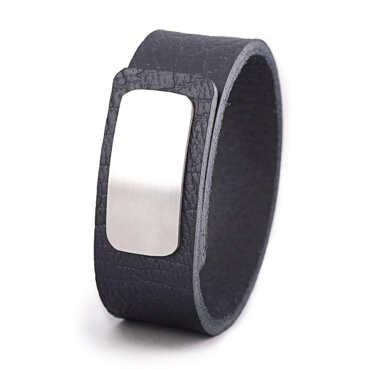 Wear Clint- Tuigleren armband (25mm / zwart krakelee) met RVS-sluiting. Een stoer design voor mannen en vrouwen!