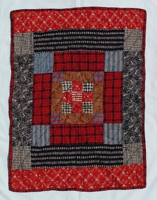 1880-1910 doll quilt