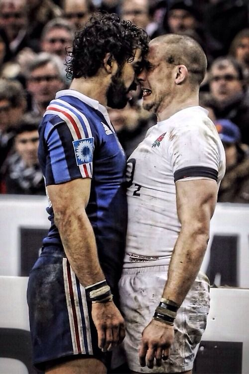 Rugby. French 26 - 24 England FRENCH KISSING LOL
