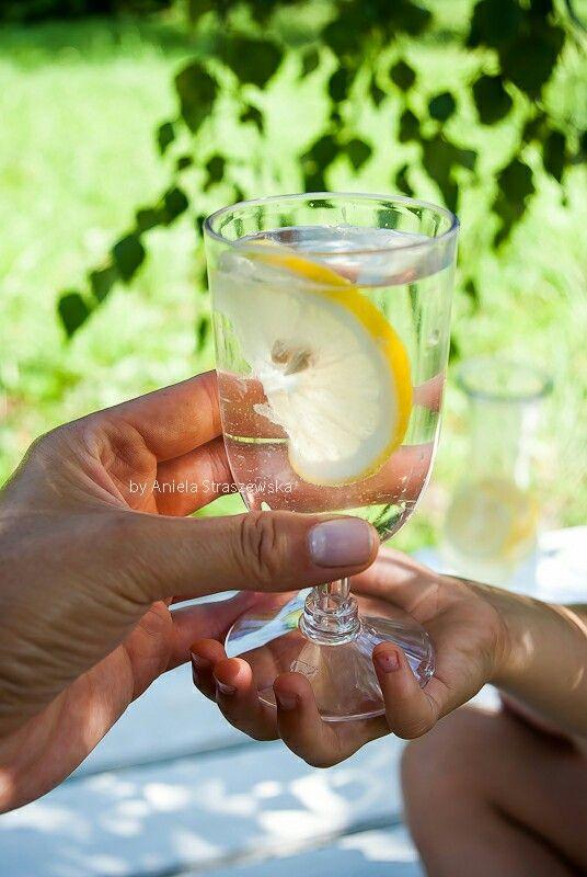 Woda z cytryną 💛