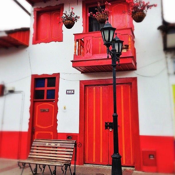 Arquitectura tipica de Salento, Quindio. Foto gracias a http://instagram.com/lacascabita