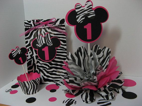 Minnie Mouse favor bags, cupcake toppers, cupcake wrappers and table decoration www.missdaisyw.etsy.com