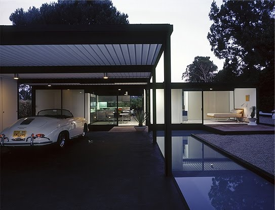 The North Elevation: Classic Spaces: Pierre Koenig: Case Study House #21