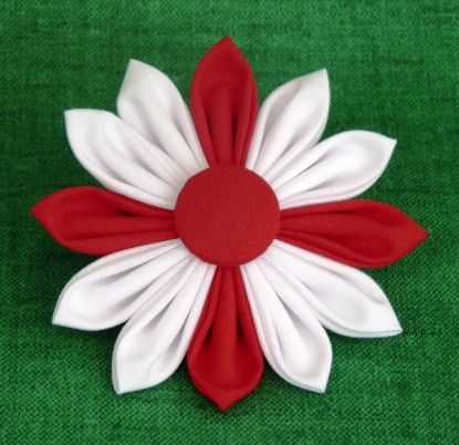 APRIL 2012, St. George, England - Brooch to Celebrate St Georges Day, by PaulinesCrafts, £4.50
