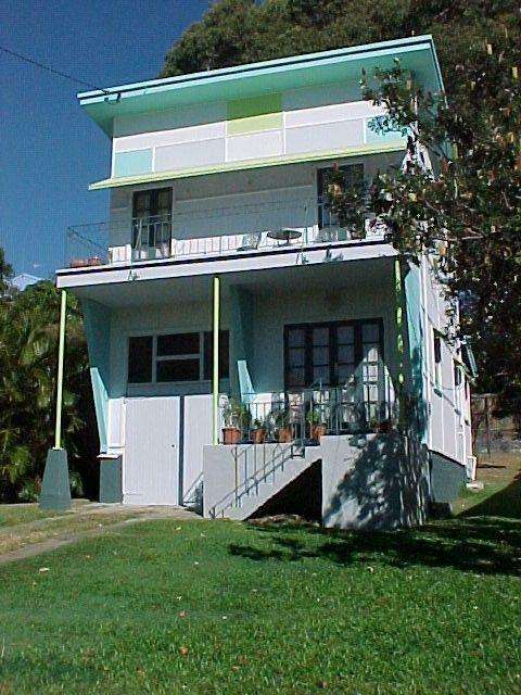 Ar Dee, a classic beach house located in Tugun, is an owner-built fibro Gold Coast