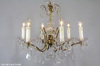 Franse kroonluchter 26055 bij Van der Lans Antiek. Meer antieke lampen op www.lansantiek.com