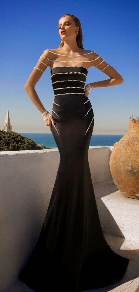 Woooo. so gorgeous black sheath dress!