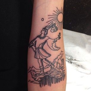 Eis o Louco, um símbolo de novos começos! | 19 tatuagens de tarô poderosas
