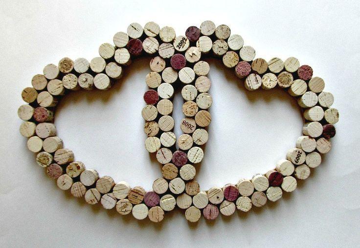 Utensilios de cocina:  salvamanteles con corchos de vino