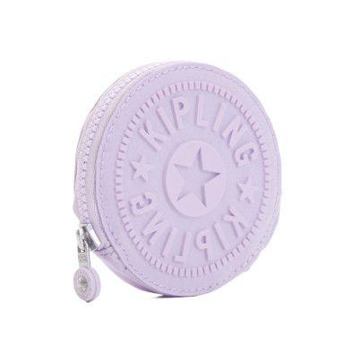 W|OW. Este monedero si lo tuviera en la tienda donde yo compro todo lo de Kipling, y fuera la mas cara, la compraria!