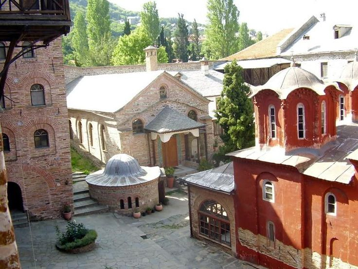 Εσωτερική άποψη της Μονής Κουτλουμουσίου- Internal view of the Monastery of Koutloumousiou