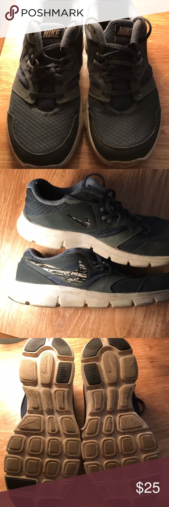 Boys Nike running shoes size 7 youth Used but still nice shoes no rips or stains Nike Shoes Sneakers