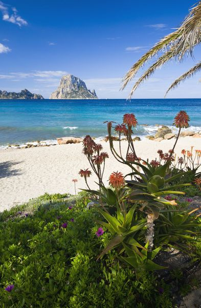 Ibiza: Travel guides, information, tips, photos, etc. | inzumi