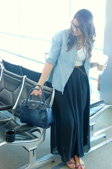 travel outfit  |  airplane outfit  |  maxi skir, chambray top, and white t-shirt